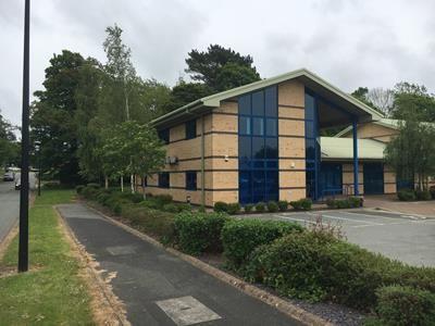 Thumbnail Office to let in Ffordd Gelli Morgan, Parc Menai, Bangor