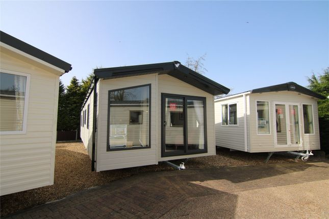 Thumbnail Mobile/park home for sale in Waverley, Ribble Valley, Country & Leisure Park, Paythorne, Gisburn