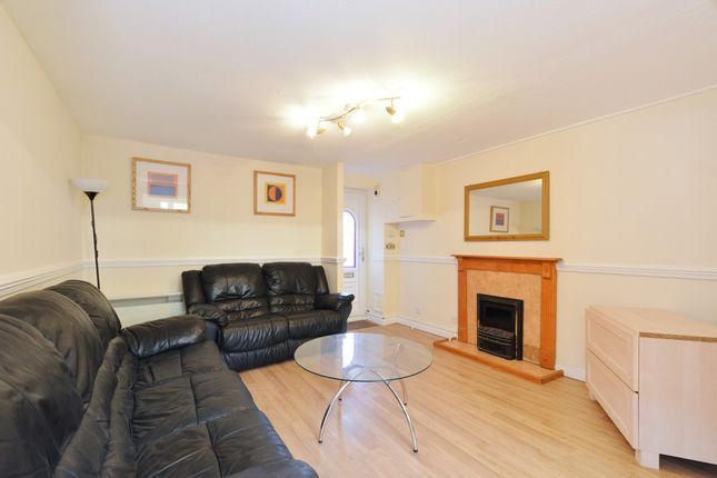 Thumbnail Flat to rent in Greenland Mews, London