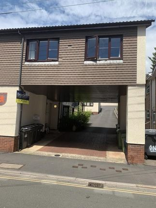 Thumbnail Flat to rent in Red Lion Place, Old Town Street, Dawlish