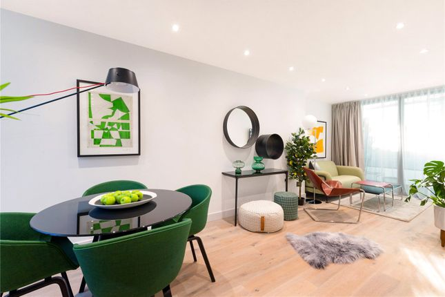 Thumbnail Flat for sale in Balham High Road, Balham, London