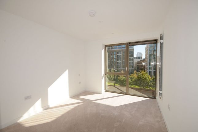 Thumbnail Flat for sale in Pendant Court, Royal Crest Avenue, London
