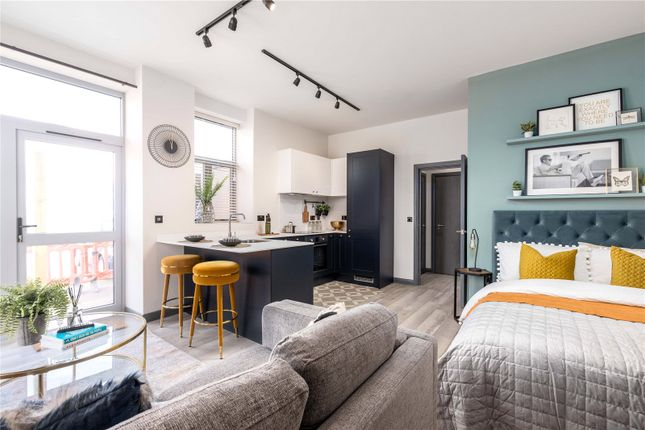 Thumbnail Flat for sale in Ashcombe House, Radcliffe Road, Southampton