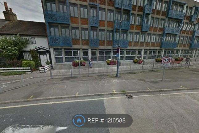 1 bed flat to rent in High Street, Waltham Cross EN8
