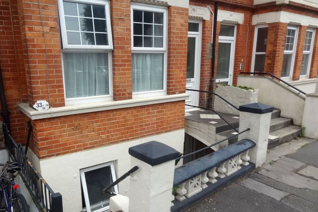 Thumbnail Flat to rent in Windsor Road, Boscombe, Bournemouth