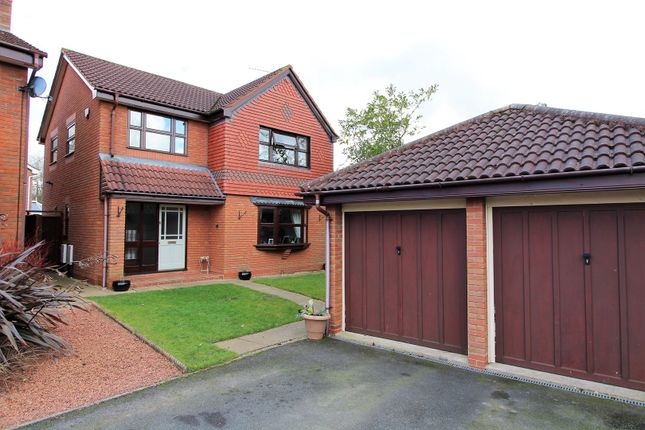 Thumbnail Detached house for sale in Earls Close, Redditch