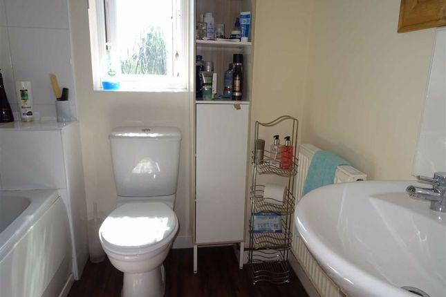 Modern Bathroom of Garner Close, Barwell, Leicester LE9