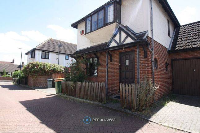 4 bed detached house to rent in Beacons Close, London E6