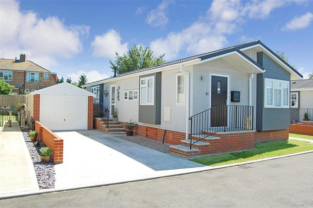 Mobile Park Home For Sale In Oatfield Way Hythe Kent