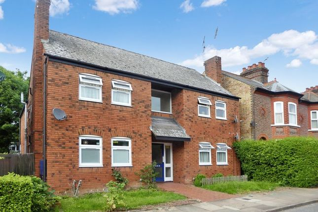 Thumbnail Flat for sale in St. Peters Road, Dunstable