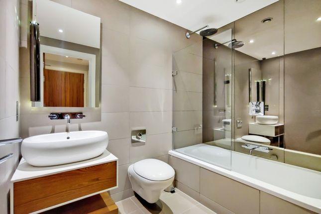 4_Bathroom-0 of Whitechapel High Street, London E1
