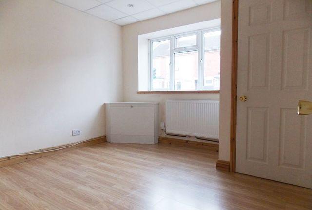 Thumbnail Flat to rent in Nottingham Road, Ilkeston