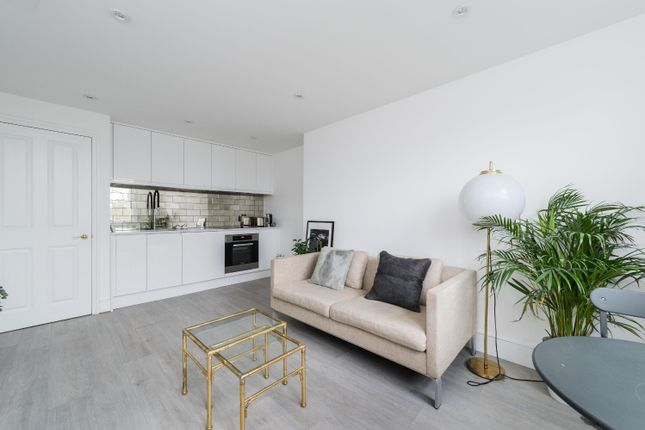 Thumbnail Flat for sale in Thicket Road, Anerley