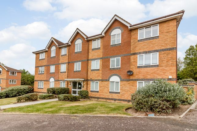 Thumbnail Flat for sale in Chancel Mansions, Hebbecastle Down, Bracknell
