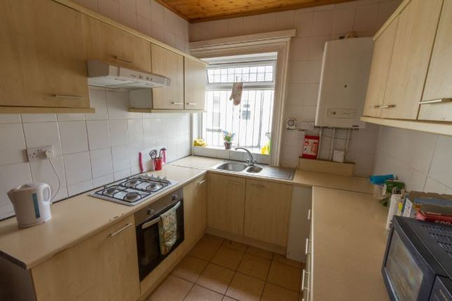 Thumbnail Terraced house to rent in Brudenell Road, Hyde Park, Leeds
