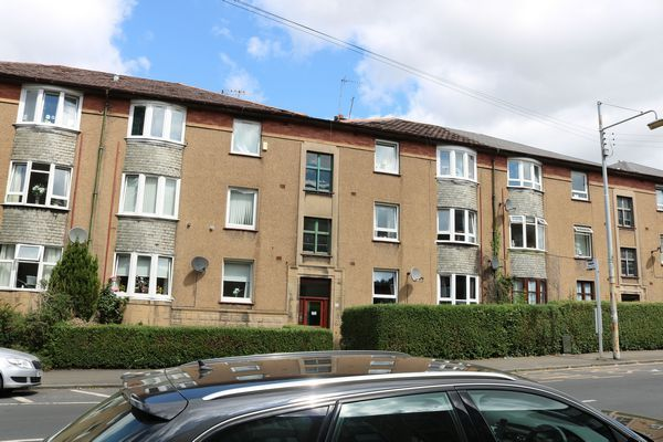 Thumbnail Flat to rent in Dorchester Avenue, Glasgow