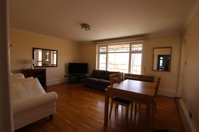 2 bed flat to rent in Carlton Hill, London