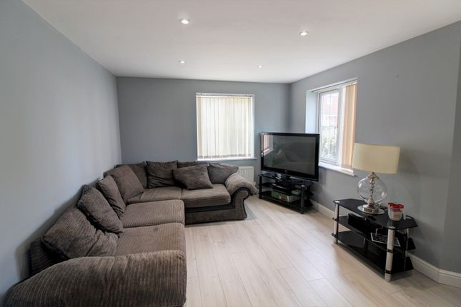Lounge Area of Walker Road, Walsall WS3