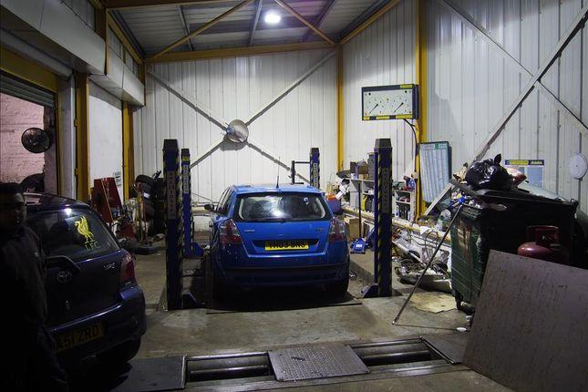 Parking/garage for sale in Vehicle Repairs & Mot HX1, West Yorkshire