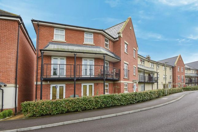 Thumbnail Flat for sale in Cirrus Drive, Reading