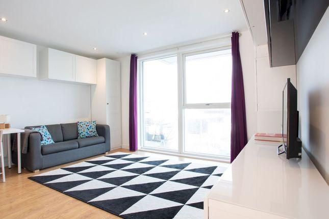 Thumbnail Flat to rent in Southampton Way, London