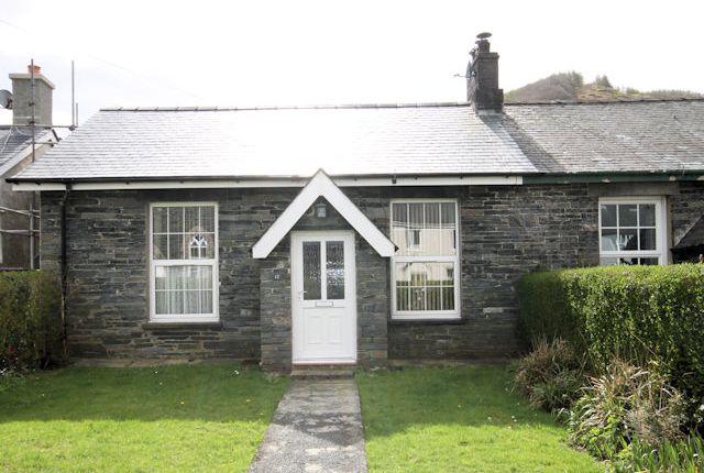 Thumbnail Bungalow for sale in Llanegryn Street, Abergynolwyn, Gwynedd