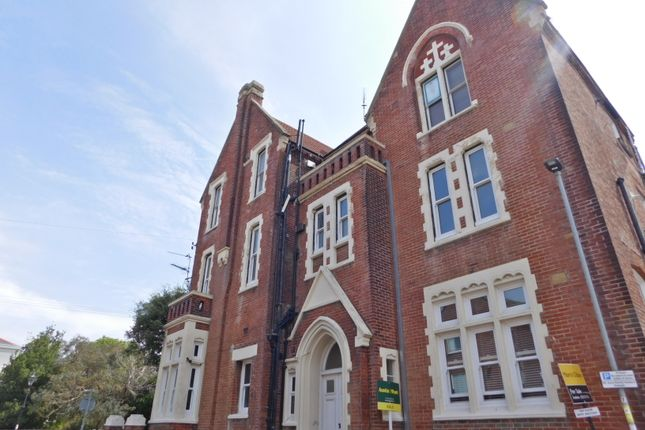 Thumbnail Flat to rent in Kent Road, Southsea