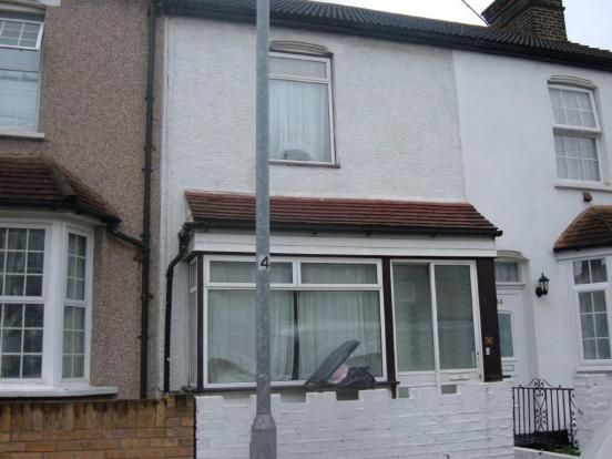 Thumbnail Terraced house to rent in Belmont Road, Grays
