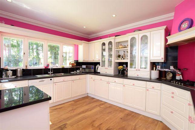 Kitchen /Breakfast Area