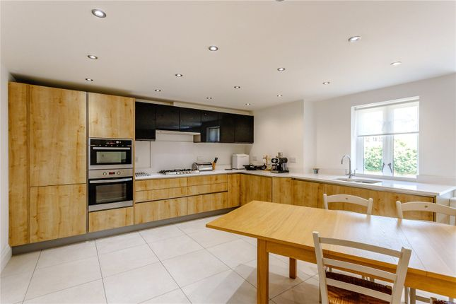 Dining Kitchen of Harlaxton Drive, Nottingham NG7