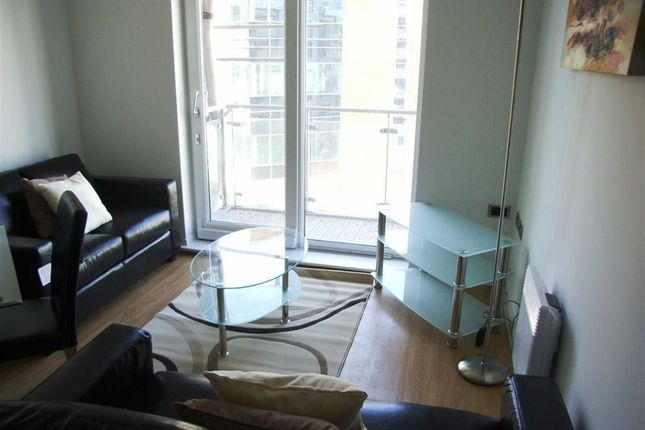 Thumbnail Flat to rent in Xq7, Taylorson Street South, Salford Quays, Salford, Greater Manchester