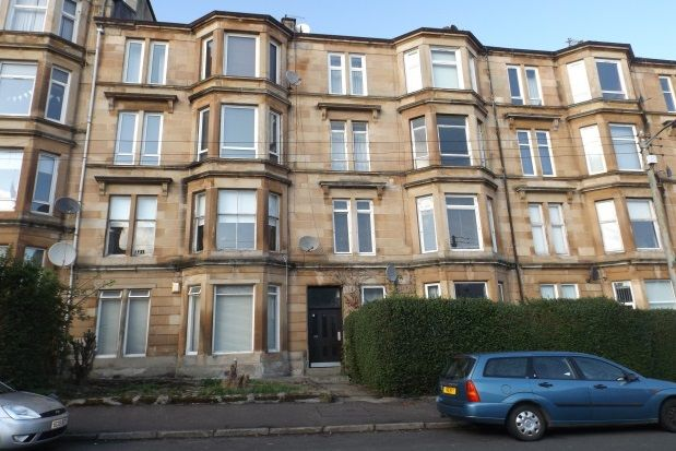 2 bed flat to rent in Finlay Drive, Dennistoun