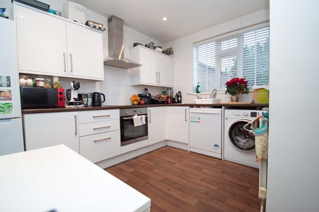 Thumbnail Flat to rent in High Road, Whetstone