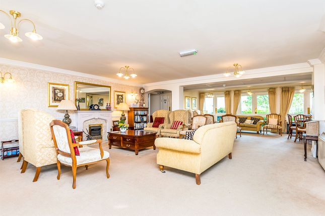 Town Meadows Way Uttoxeter ST14 2 Bedroom Flat For Sale