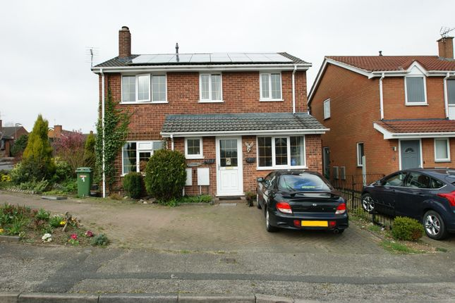 Thumbnail Detached house for sale in Kings Meadow, Rainworth