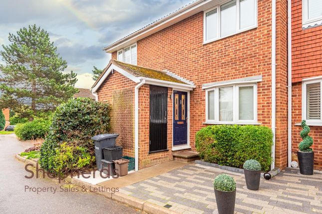 Thumbnail Terraced house to rent in Rochford Close, Broxbourne