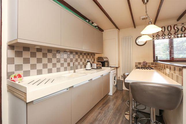 Annex Kitchen of Chesterfield Road, Hardstoft, Chesterfield S45
