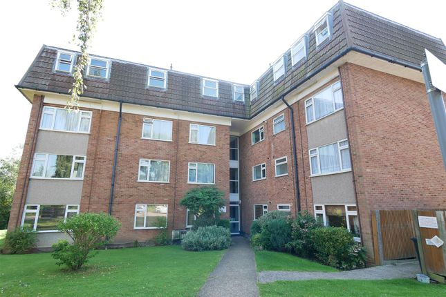 Thumbnail Property to rent in Lambs Close, Cuffley, Potters Bar