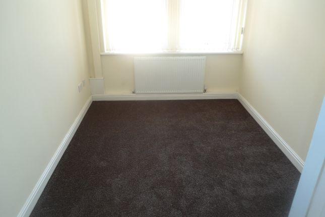 Bedroom of Badsley Moor Lane, Clifton S65
