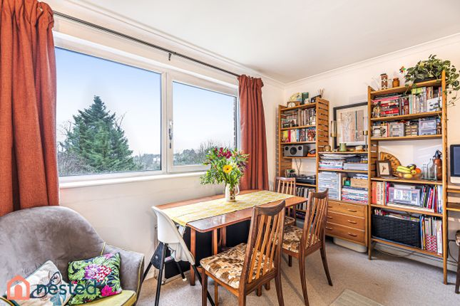 Flat for sale in South View Court, The Woodlands, London