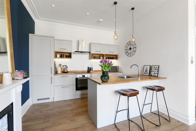 Thumbnail Flat for sale in Manor Park, Redland, Bristol