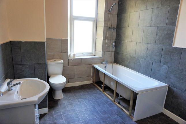 Bathroom of Hornby Street, Halifax HX1