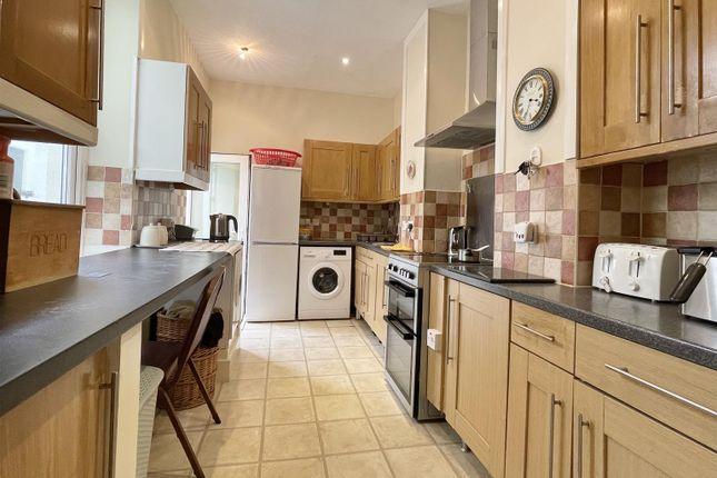 3 bed flat for sale in Sticklepath Terrace, Sticklepath, Barnstaple EX31