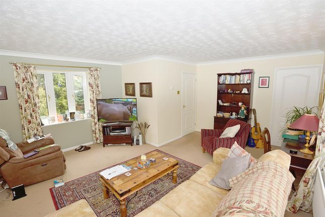 L-Shaped Lounge of Edgecote, Great Holm, Milton Keynes MK8