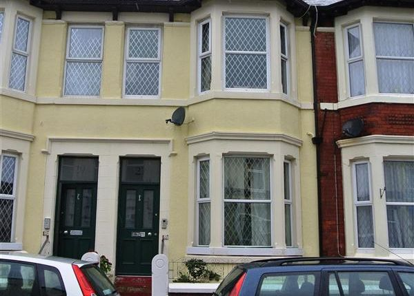 Thumbnail Flat for sale in Moore Street, Blackpool