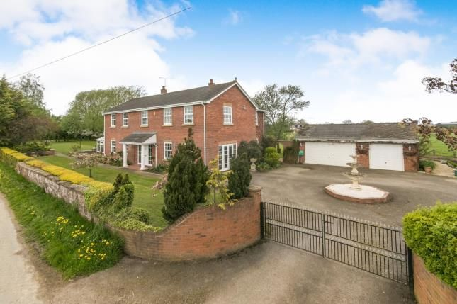 Thumbnail Detached house for sale in Bowling Bank, Wrexham, Wrecsam