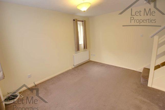 Wynchlands Crescent - Living Room - Wm