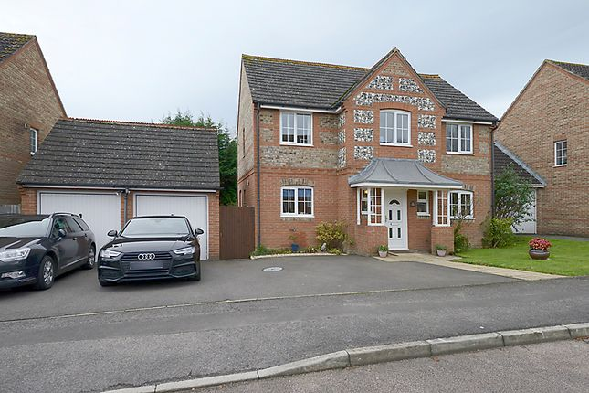 Thumbnail Detached house for sale in Cowslip Crescent, Thatcham