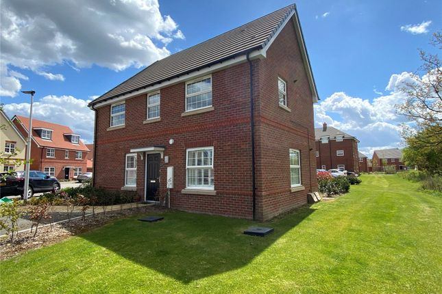 2 bed flat for sale in Hayes Drive, Three Mile Cross, Reading RG7