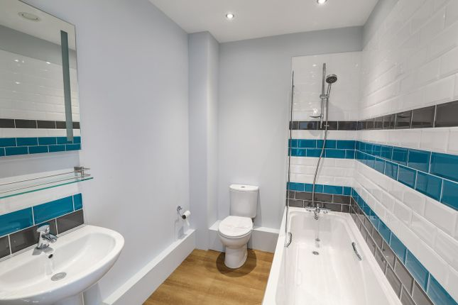 Thumbnail Flat for sale in High Street, Flitwick